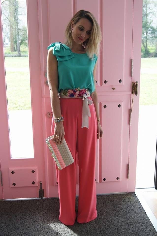 Que os parece este colorido conjunto de pantalón y top para las graduaciones, comuniones o bodas? Es ideal!!! .El top se puede llevar con o sin lazada y el cinturón va incluído! !