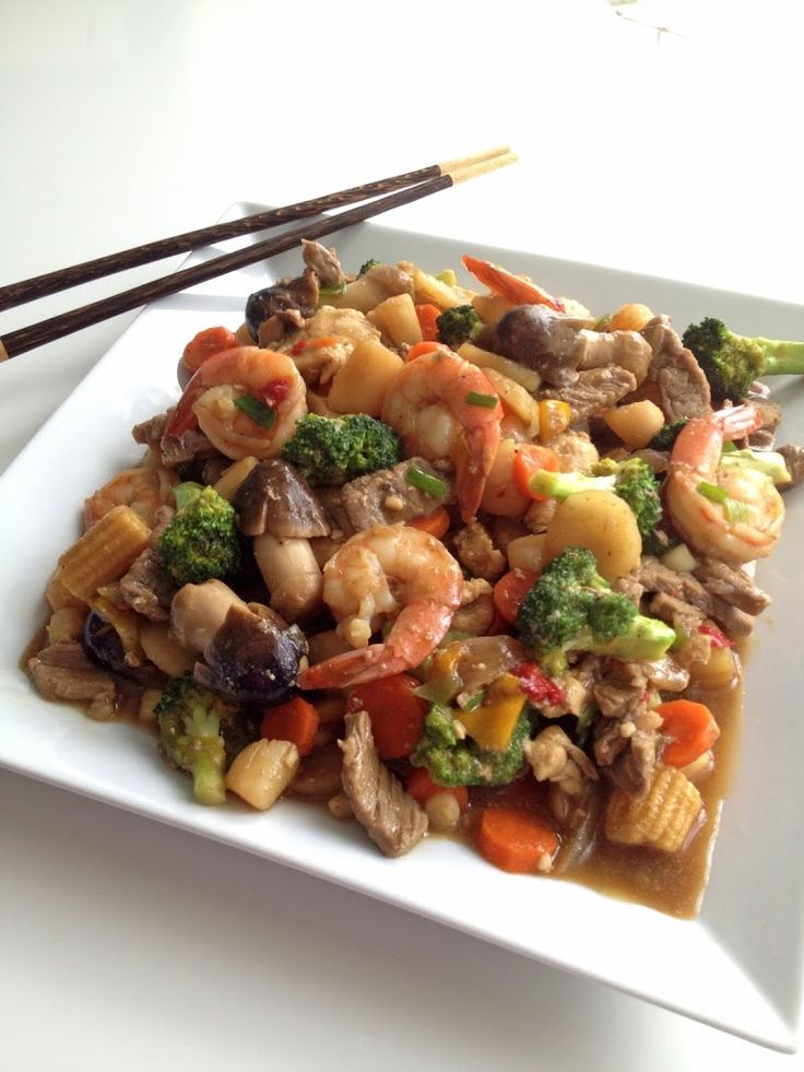 Happy Family Stir-Fry | The Cooking Jar - A recipe for happy family stir-fry. http://www.thecookingjar.com/happy-family-stir-fry/
