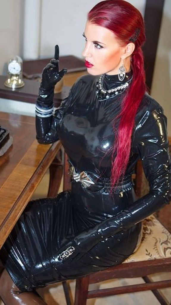Pin Auf Plasticly Latex Fashion