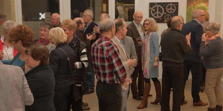 Sfeervolle opening expositie Boetseren en Schilderen van het Senioren Hobby Centrum