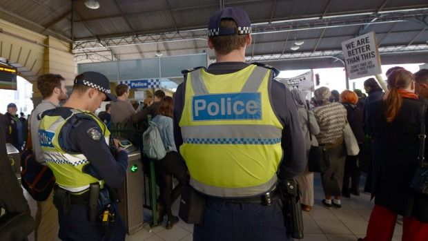 Labor has called on the Auditor-General to investigate what training Australian Border Force officials have been given since the agency was established in July this year and whether their legal powers extend to random visa checks.