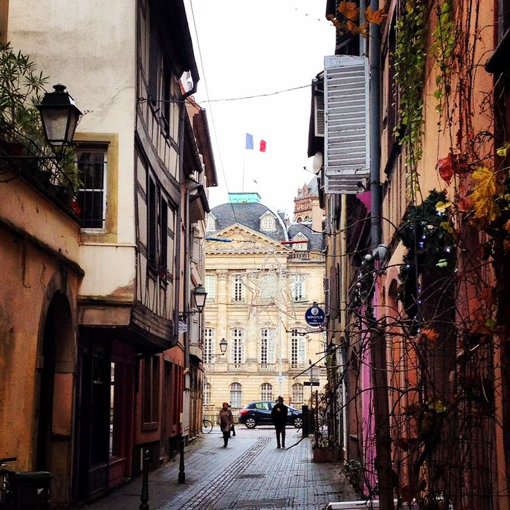 La jolie rue St Madeleine - Strasbourg - Krutenau http://instagram.com/lagenceimmo