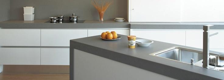 Witte keuken met grijs werkblad ~ consenza for .