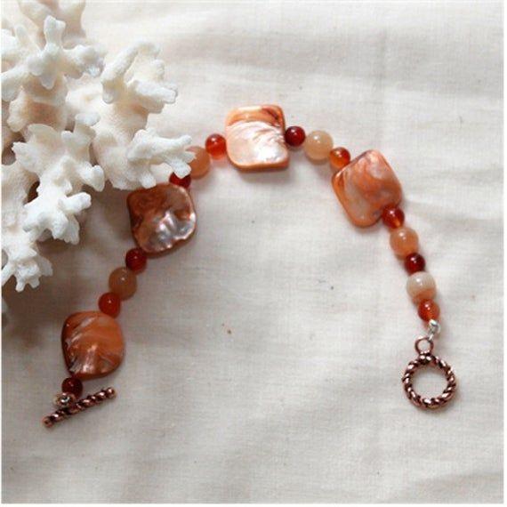 Carnelian Bracelet   Shells Bracelet, Carnelian Gemstone   Mother of Pearl Shell, Beaded Bracelet, Handmade Bracelet, Boho Women Jewelry