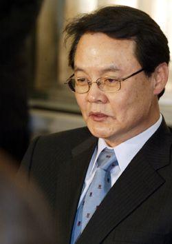 """홍사덕 탈당에 민주당 """"꼬리 자르지마"""""""
