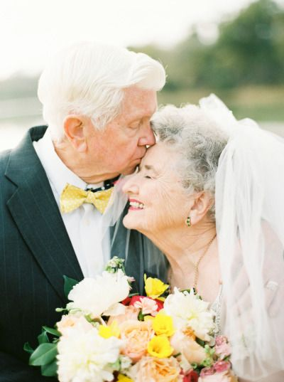 Sweet kisses: http://www.stylemepretty.com/2015/02/13/a-love-story-63-years-in-the-making/ | Photography: Love, The Nelsons - http://www.soshayblog.com/