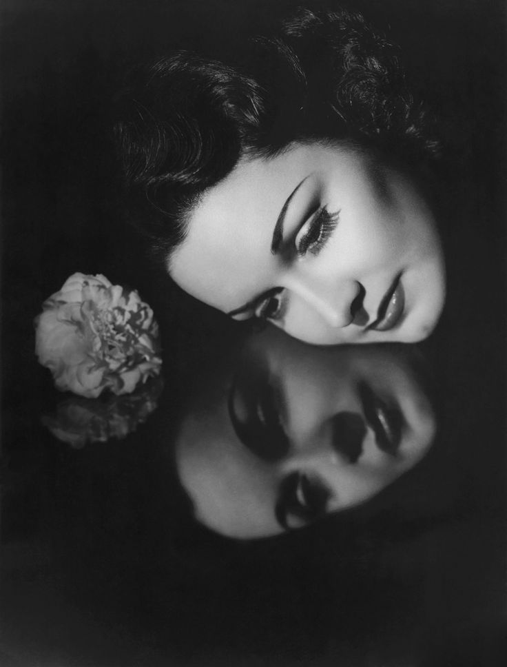 """GAIL PATRICK ~ Born: June 20, 1911 in Alabama. Died: July 6, 1980 (aged 69) from leukemia. Known for, """"Mississippi"""" (1935), """"My Man Godfrey"""" (1936) """"Early to Bed"""" (1936), """"Stage Door"""" (1937) & """"My Favorite Wife"""" (1940). She appeared in 62 movies between 1932 & 1948. Cold, calculating and hard-as-nails is probably the best definition of Gail Patrick's femmes on the 30s & 40s silver screen. She became executive producer of the """"Perry Mason"""" TV series (1957-1966), The courtroom """"whodunnit""""."""