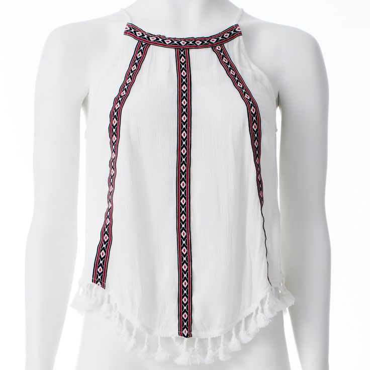 Camisole blanche rubans rouges et noirs, H&M (collection Coachella), 29,99$ * White tank top with red and black ribbons, H&M (collection Coachella),  $29.99