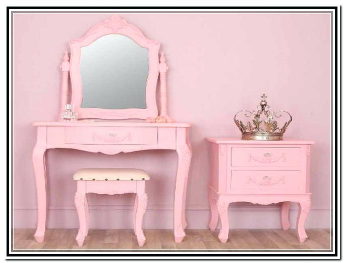 S Vanity Table