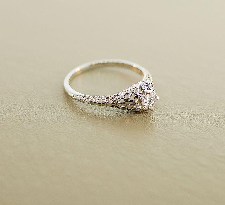 Antique engagement rings 1920s