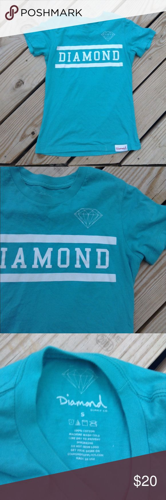 DIAMOND SUPPLY COMPANY BLUE AND WHITE T SHIRT SZ S Cool Diamond Supply Company t shirt. Small grey stain near collar and white mark on bottom. Will probably come out. Size small Diamond Supply Company Tops Tees - Short Sleeve