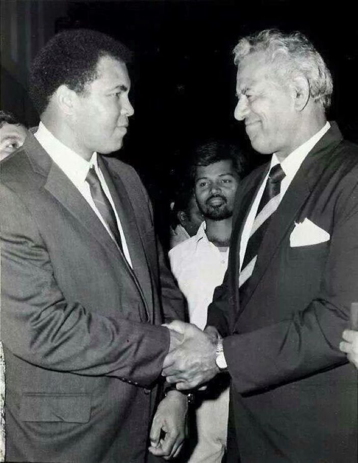 Mohammad Ali With  Dara Singh  (Photo - @MalikAshok )