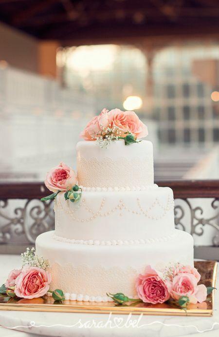 sarah bel | Jolanda & Thomas | www.sarahbel.com floral wedding cake