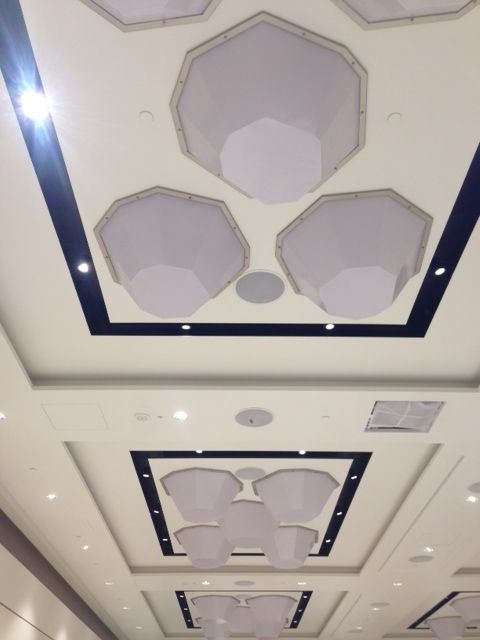 We have just installed the new lighting in the La Scala meeting room, our second columnless ballroom of 220sqm. #excelsiorgallia #meetings #milan #theluxurycollection