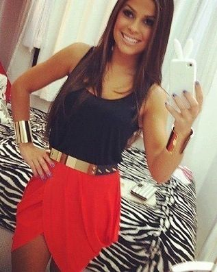 <3 I love all these skirt pictures, but idk if I can pull them off,, don't think it would look good on me!!