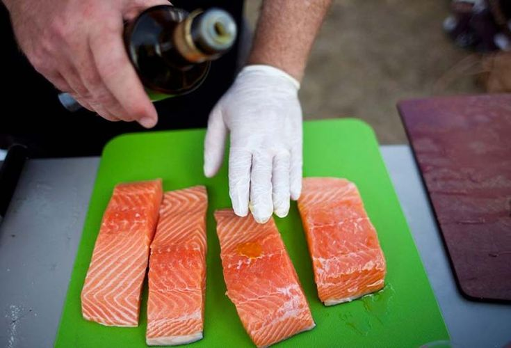 How to Prepare Salmon for the Grill