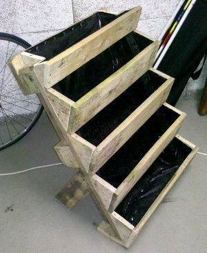 die besten 17 ideen zu erdbeeren pflanzen auf pinterest erdbeerpflanzen diy garden und diy. Black Bedroom Furniture Sets. Home Design Ideas