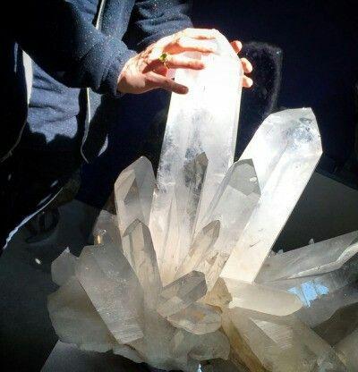 Cluster comprising large crystals