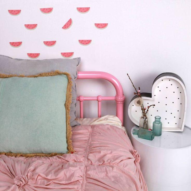 Schattige Love Mae mini stickers met partjes watermeloen. Hier fleur je ieder hoekje mee op! (en voor een groter hoekje kan je natuurlijk meedere stickervellen