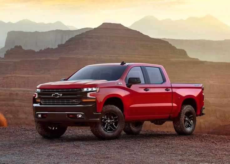 The 2019 Chevrolet Silverado 1500 is all new from the ground up and leverages Chevrolet's experience building more than 85 million dependable, long-lasting pickups. It also reflects feedback from more than 7,000 people on what they wanted in their next truck - the most customer research in the company's history. The new Chevrolet Silverado LT Trailboss is one of eight 2019 Silverado models. It integrates the off-road equipment of the Z71 package as well as a two-inch suspension lift.