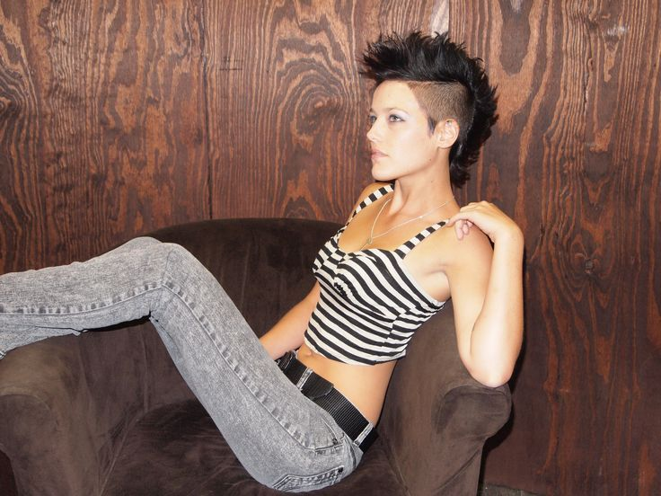 Mohawk Girl, Pixie Party, Hairstyles Haircuts, Women S Haircuts, Hair Styles, Girl Mohawk Fohawk