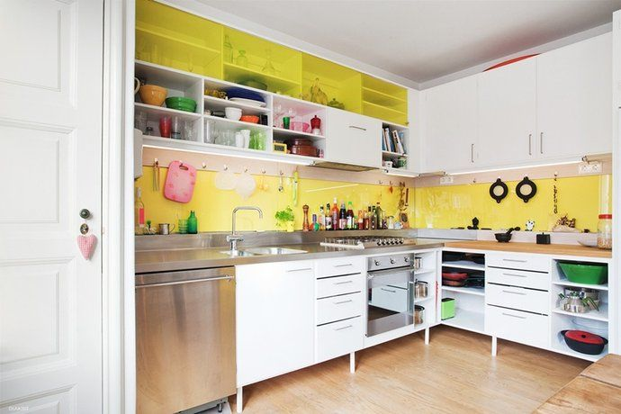 Funny kitchen with yellow walls. Rörsjöstaden, Sweden. #kitchen