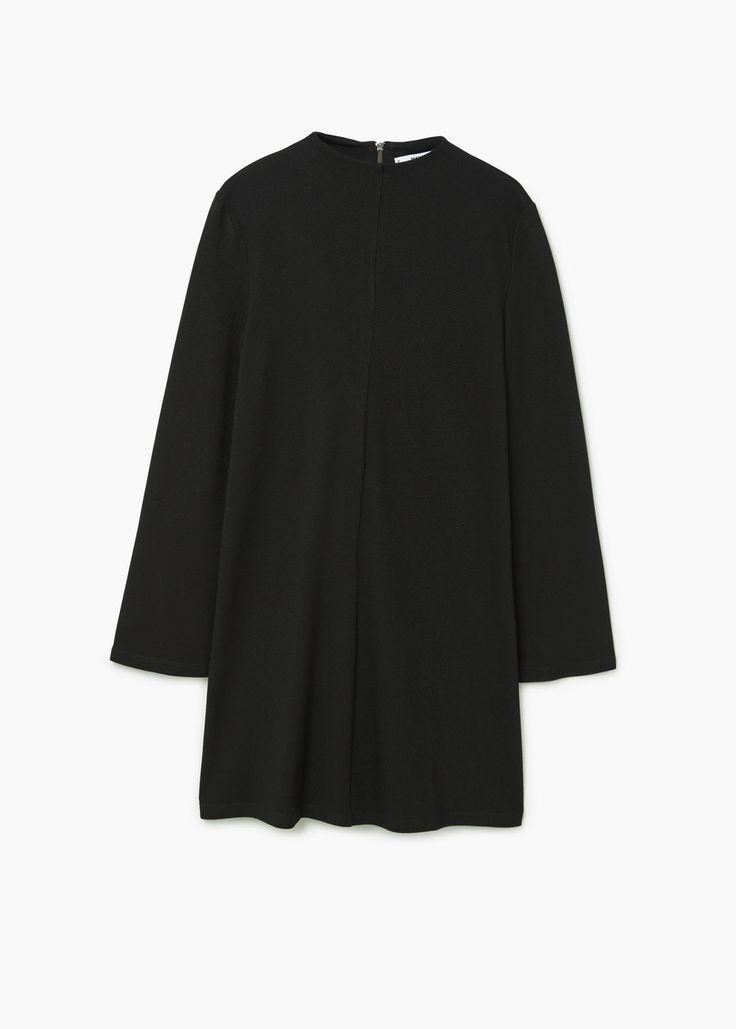 https://www.mangooutlet.com/pl/kobieta/sukienki-krotkie/sukienka-z-rozszerzanymi-rekawami_71085601.html?c=99&n=1&s=prendas.familia;32