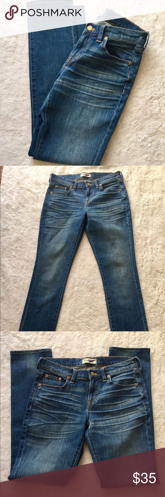 Madewell Women's Straight Jeans size 26 In perfect preowned condition. No stains tears or damages. Size 26 Madewell Jeans Straight Leg