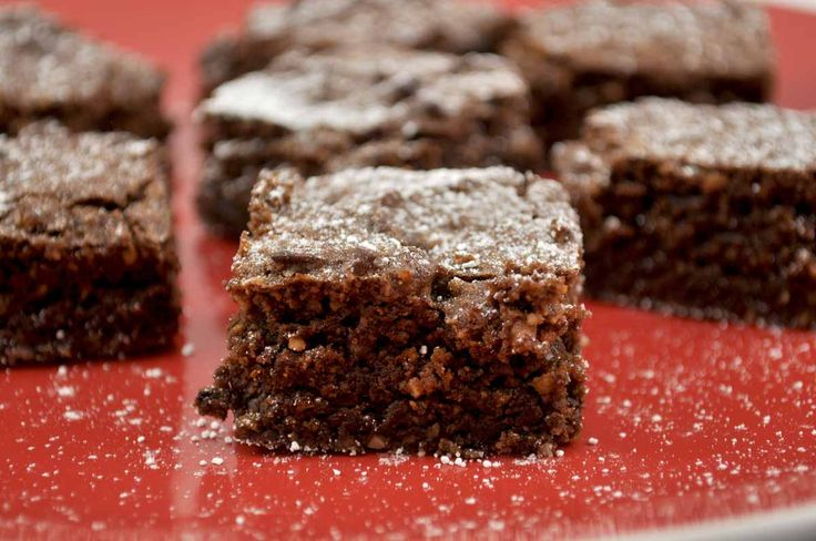 A gluten free chocolate slice, that is quick, easy and delicious? Well of course! Thanks Thermomix!