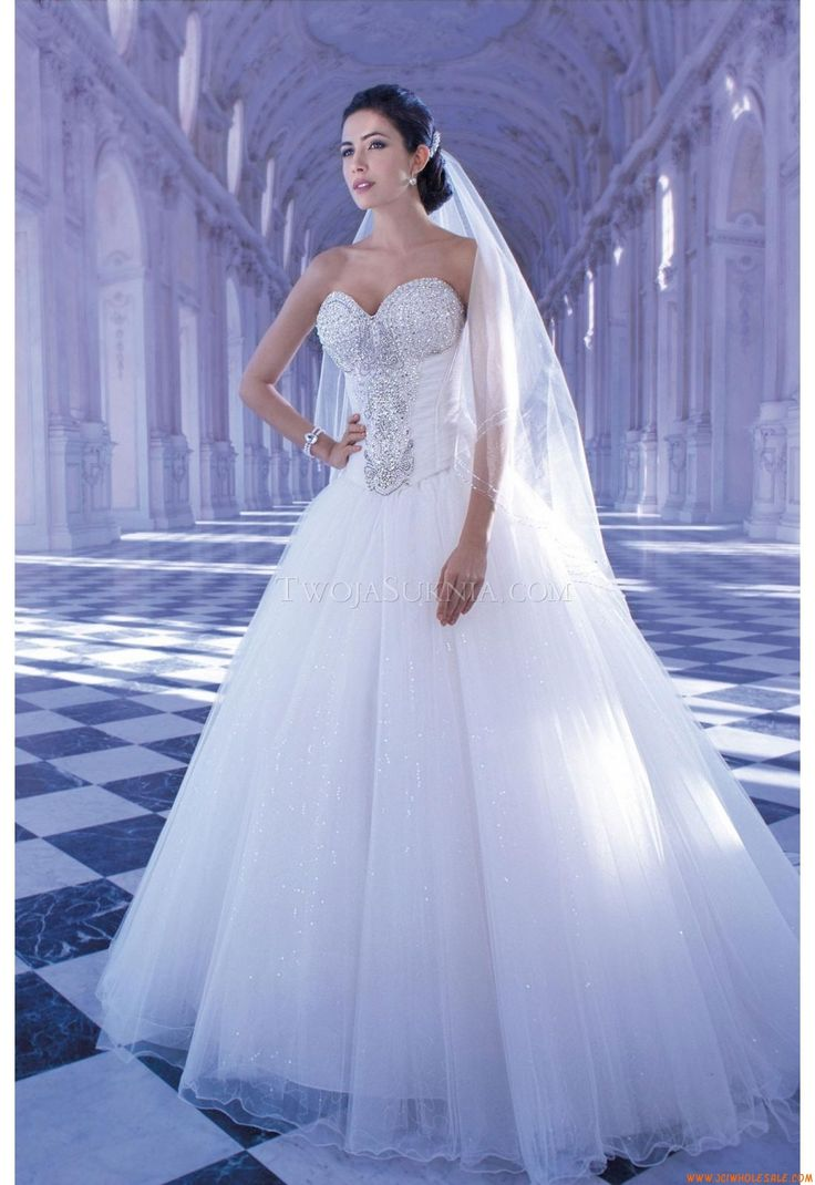 Robe de mariée Demetrios 2872 Young Sophisticates
