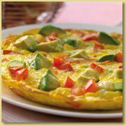 Omleta cu rosii, branza si avocado - www.Foodstory.ro