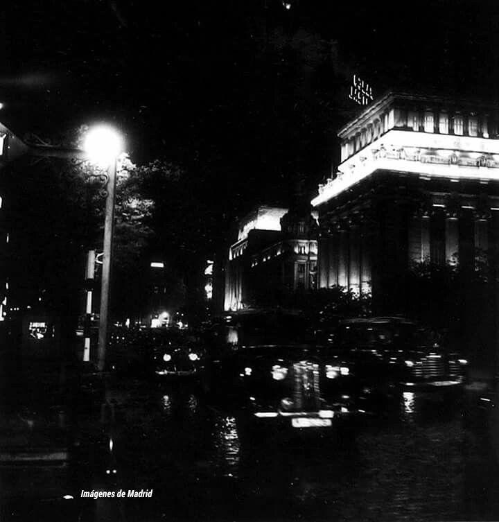 Algunas imágenes de la calle de Alcalá del excelente fotógrafo holandés Cas Oorthuys.Año 1955 Norturna Puerta de Alcalá, autobús de dos pis...