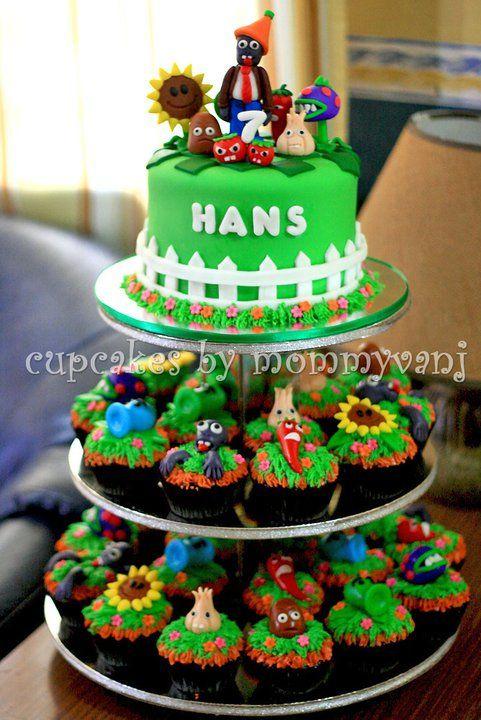 plants vs zombie cake/cupcake combo for j.