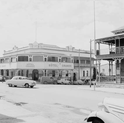 1940 Hotel Grande from Brisbane and East street junction in Ipswich