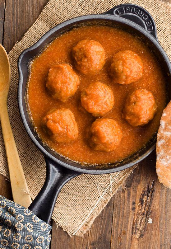 Albóndigas- Spanish meatballs http://www.alianzaeditorial.es/minisites/1080/index.html
