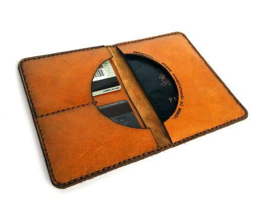 Portapasaporte para el pasaporte, tarjetas, billetes y papeles, personalizado con una dedicatoria (Color: Curry)