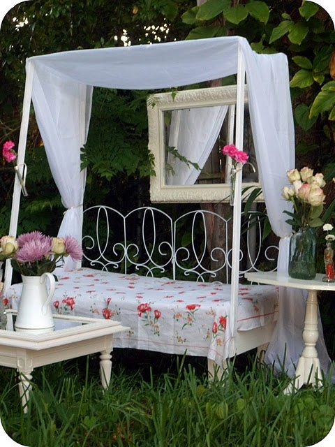 GORGEOUS!: Daybed, Garden Ideas, Outdoors Gardens, Yard, Gardening, Place, Outdoor Spaces, Diy, Cornhole Board