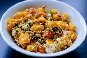 Three girls one kitchen: Wat eten we vandaag: Quinoa met boerenkool, feta, paprika & amandelschaafsel