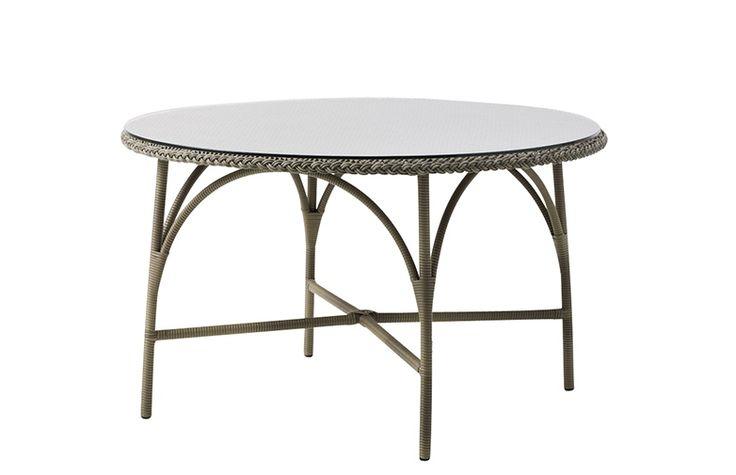 Georgia Garden Victoria Dining Table