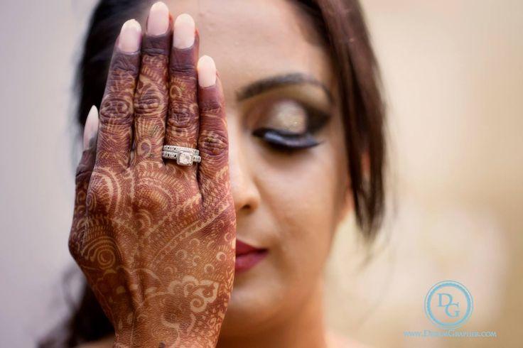 The original photo by Dreamgrapher, Ahmedabad #weddingnet #wedding #india #indian #indianwedding #weddingdresses #mehendi #ceremony #realwedding #lehenga #lehengacholi #choli #lehengawedding #rings #engagement #diamonds