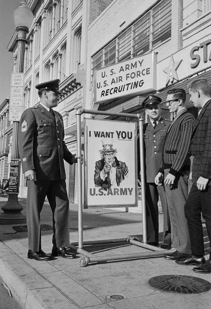 """The Uncle Sam 'I Want YOU' poster is 100 years old. Almost everything about it was borrowed. YENİ ! """"The Uncle Sam 'I Want YOU' poster is 100 years old. Almost everything about it was borrowed."""" DETAYLAR İÇERDEhttps://www.oderece.net/the-uncle-sam-i-want-you-poster-is-100-years-old-almost-everything-about-it-was-borrowed/"""