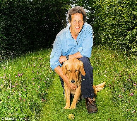 The Inelegant Gardener: Making plans with Nigel (the dog from Gardeners' world with Monty Don)
