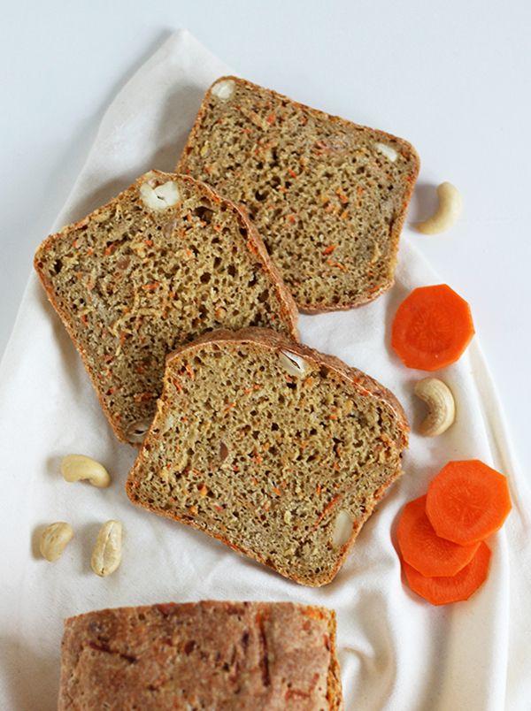 pełnoziarnisty chleb marchewkowy