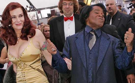 James Brown Wife Velma Warren | James Brown arrives with his wife Tommie Rae
