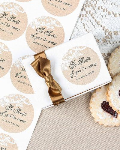 Add a personal touch to your wedding favors with these personalized wedding stickers