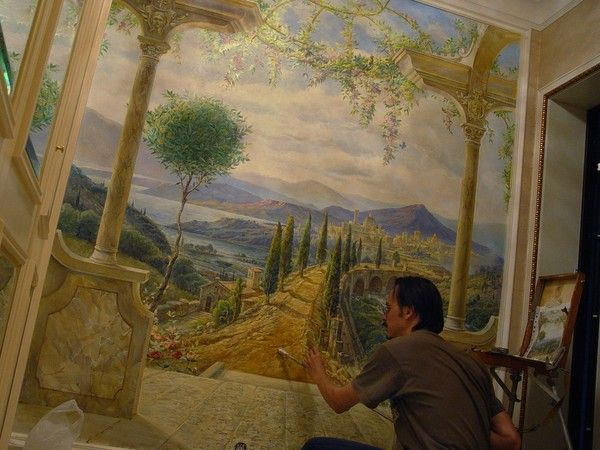 Private  apartments mural during  the  work