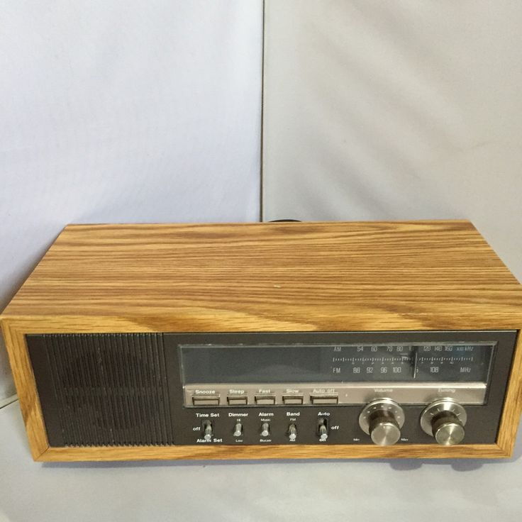 80s Wood Grain Solid State Radio Alarm Clock by Soundesign Vintage Retro  Audio Radio Clock Bedroom. 17 Best ideas about Radio Alarm Clock on Pinterest   Vintage stuff