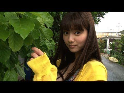 美しすぎる若手女優、新川優愛の貴重なビキニ姿を大公開!! - YouTube