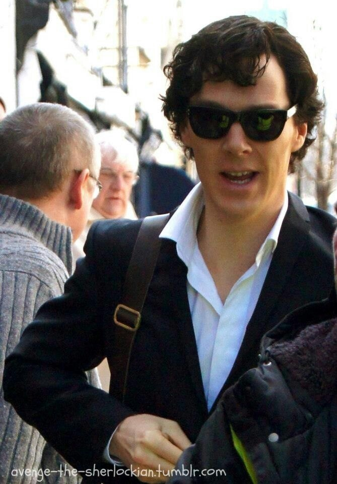 Benedict Cumberbatch- Arriving on set April 2 2013 in costume filming Sherlock season 3. SEASON 3!! :D DAY MADE!!