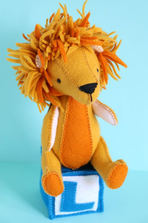 L is for Lion : Lion sewing pattern. Hand sewn PDF sewing pattern. Lion toy. Felt lion.